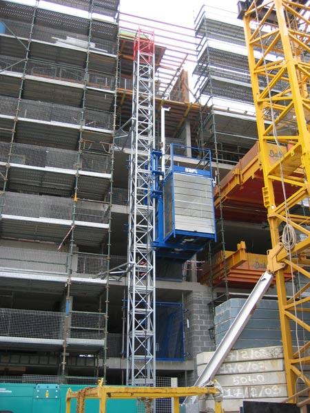 Ascenseur de chantier