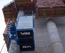 Ascenseur de chantier pour personnes et matériaux SCAF AS